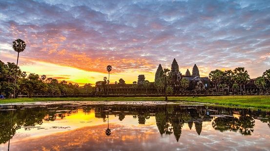 what-to-do-in-cambodia-sunrise-viewing-angkor-wat