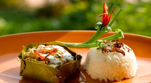 Top must try food to when travel to cambodia what to eat during the national dish of cambodia fish amok is well known for its beautiful presentation and fragrant flavors the curry is made from aromatic spices mixed forumfinder Gallery