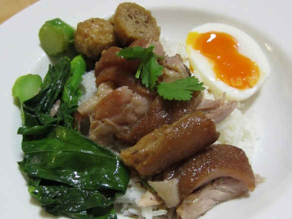 bangkok-cuisine-braised-pork-with-rice