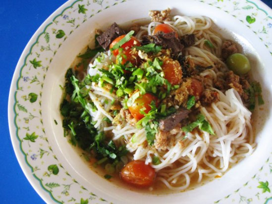 chiang-mai-cuisine-kanom-jeen-nam-ngeow
