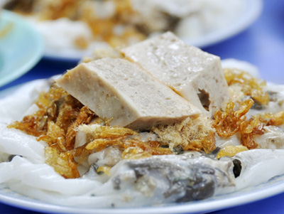 things-to-eat-in-hanoi-rolled-rice-cake
