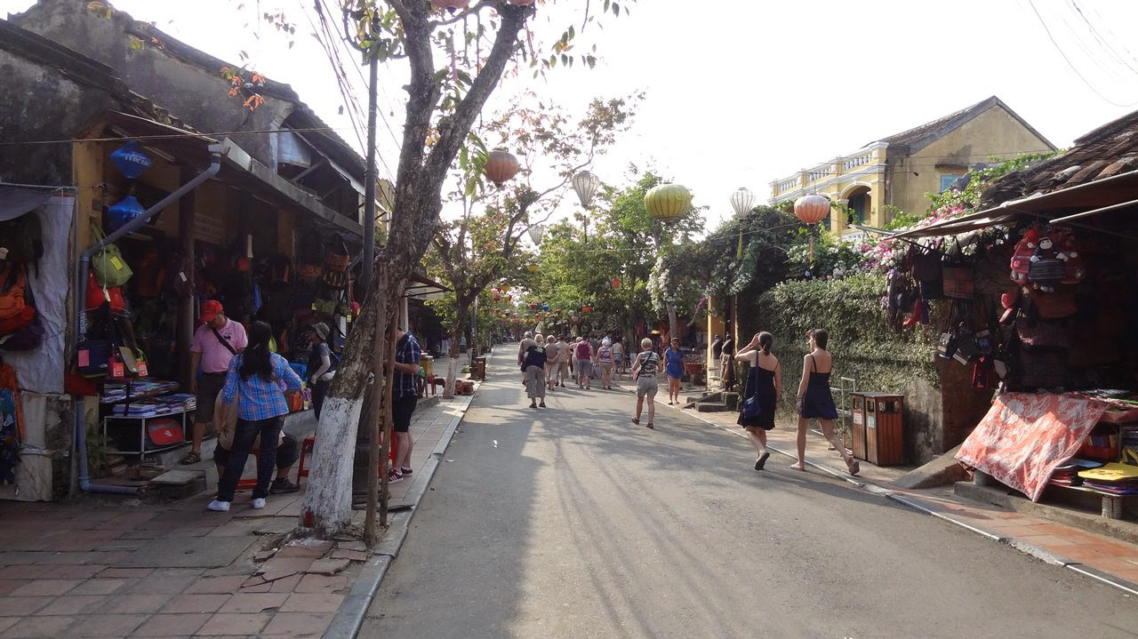 Hoi An to add walking streets