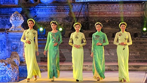 Hanoi Ao Dai Festival to take place in October 2016
