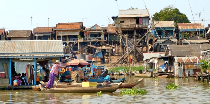 floating-village-kampong-chhnang-cambodia