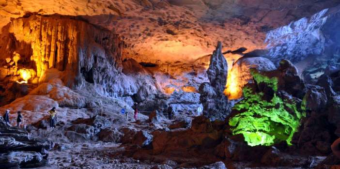 sung-sot-cave-halong-bay