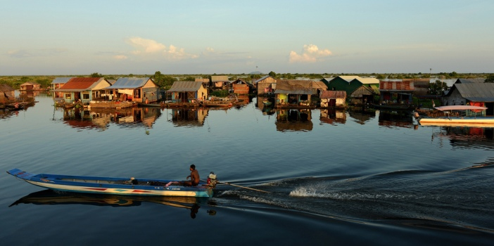 tonle-sap-lake-cruising