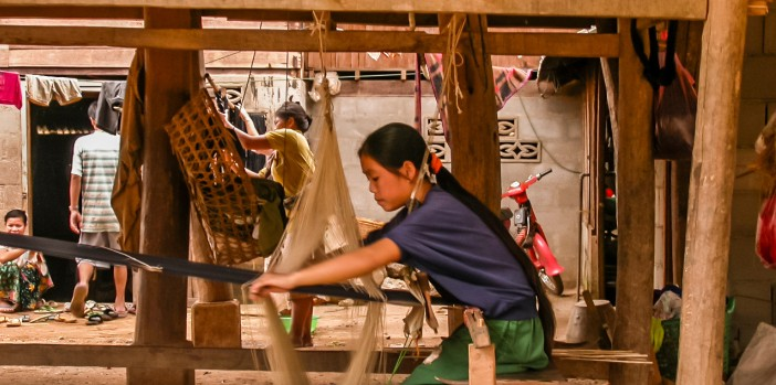 ban-phanom-weaving-village