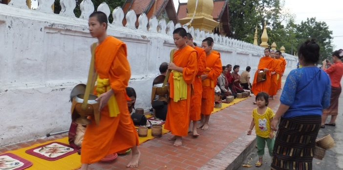 morning-alms-giving-luang-prabang-laos.JPG